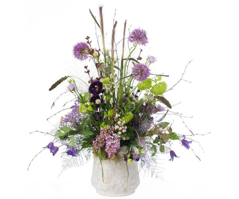 Ramo Nº 08: Allium, Viburnum, Lilas, Lisianthus, Clematis, Setaria, Astrantia, Brunia, Verdes