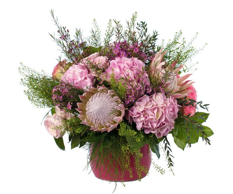 Bouquet Nº 04: Protea, Hydrangea, Garden Roses, Waxflower, Thlaspi, Foliage