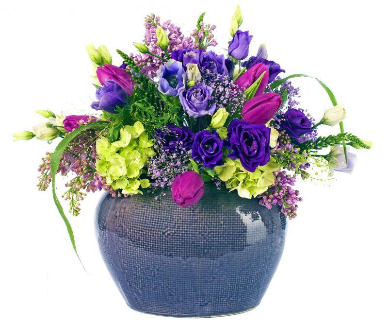 Ramo Nº 14: Lisianthus, Lilas, Hortensia, Tulipán, Panicum, Gypsophila, Jarrón