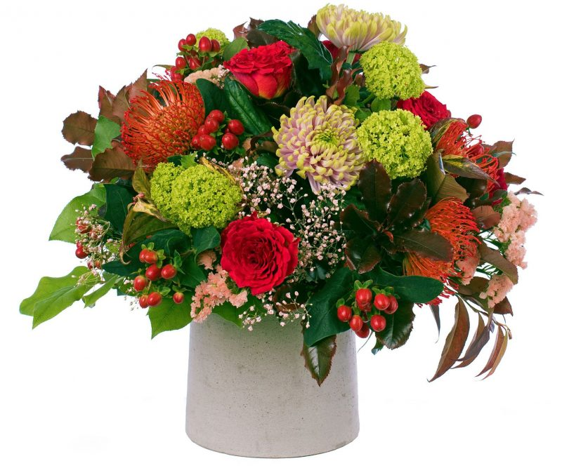 Ramo Nº 16: Nutans, Hypericum, Crisantemo, Rosa, Statice, ,Gypsophila, Viburnum, Verdes