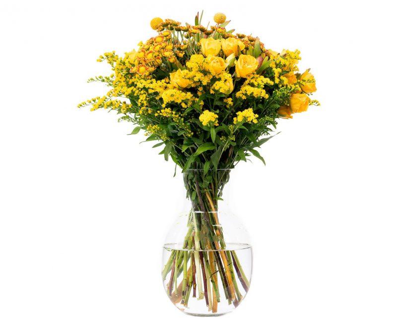 Ramo Flores Nº 32 Rosas, solidago, santini, safari - Floristería en Madrid Margarita se llama mi amor